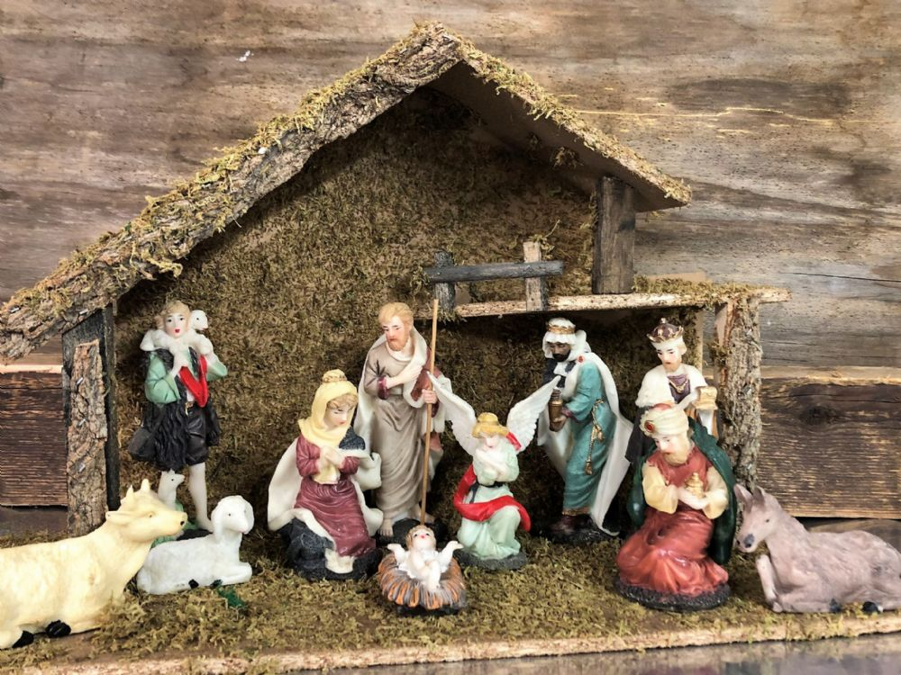 Complete X Large Traditional Nativity Set 11 Figures with Stable Christmas Holy Ornament